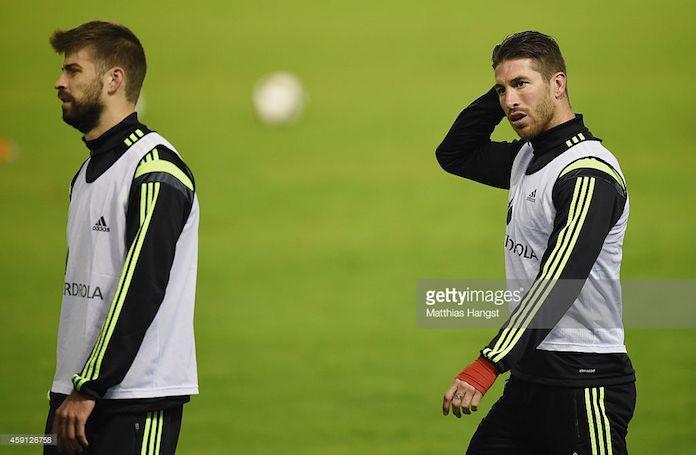 Piqué deja a un lado su polémica con Sergio Ramos