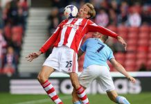 peter crouch futbolistas altos